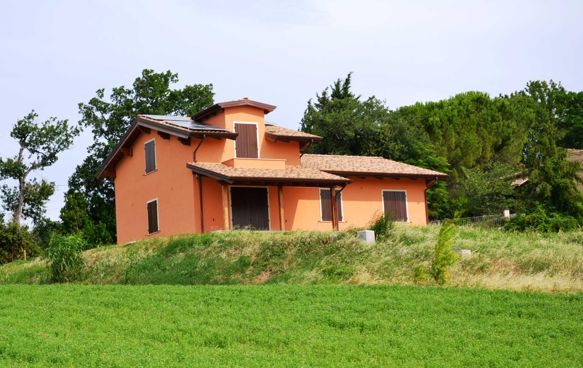 Immobili in vendita nelle marche for Case in vendita nelle isole greche