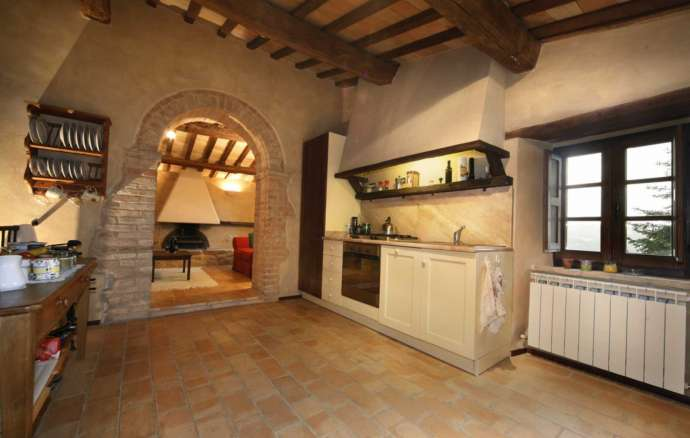 detached house for sale Sarnano central Italy