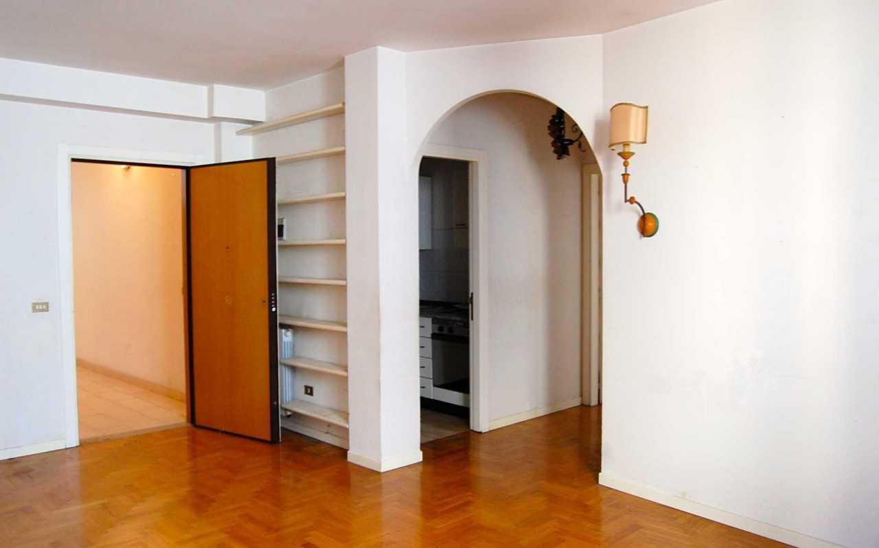 Appartamenti in vendita nei paesi delle marche for Piani di garage gratuiti con lista dei materiali