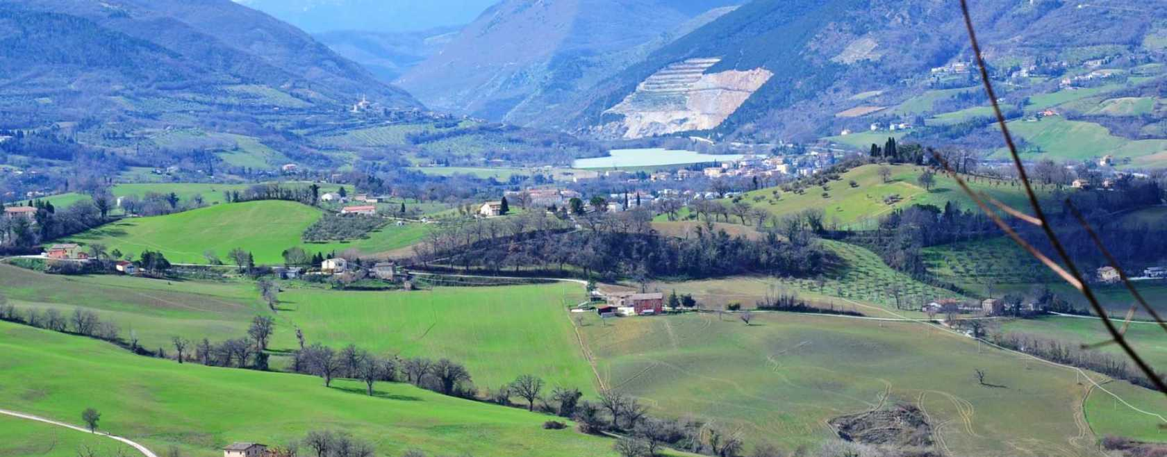 Land for sale Camporotondo di Fiastrone, le Marche Italy