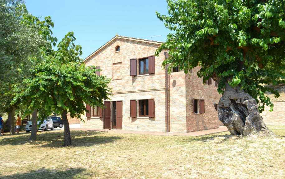 New properties for sale in Marche Estates real estate agency Italy