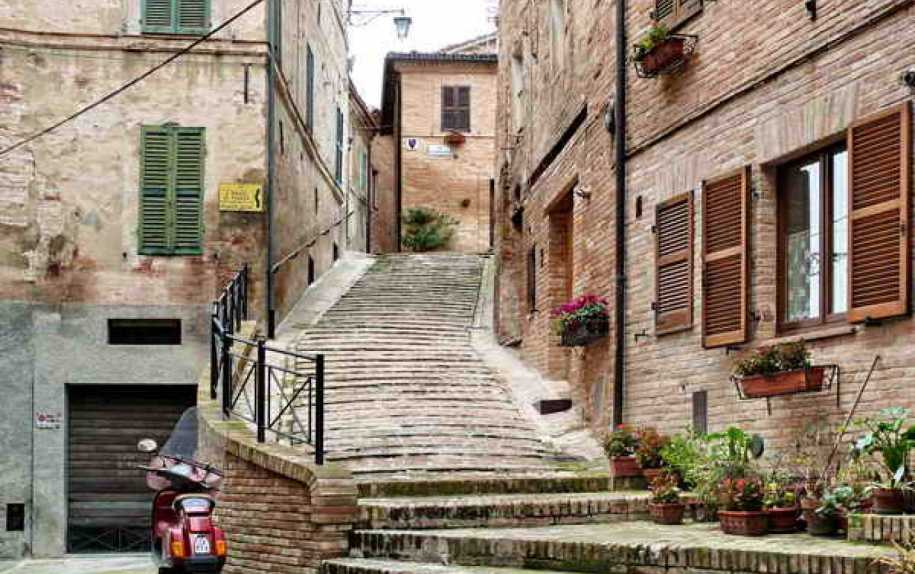 Urban houses for sale in central italy